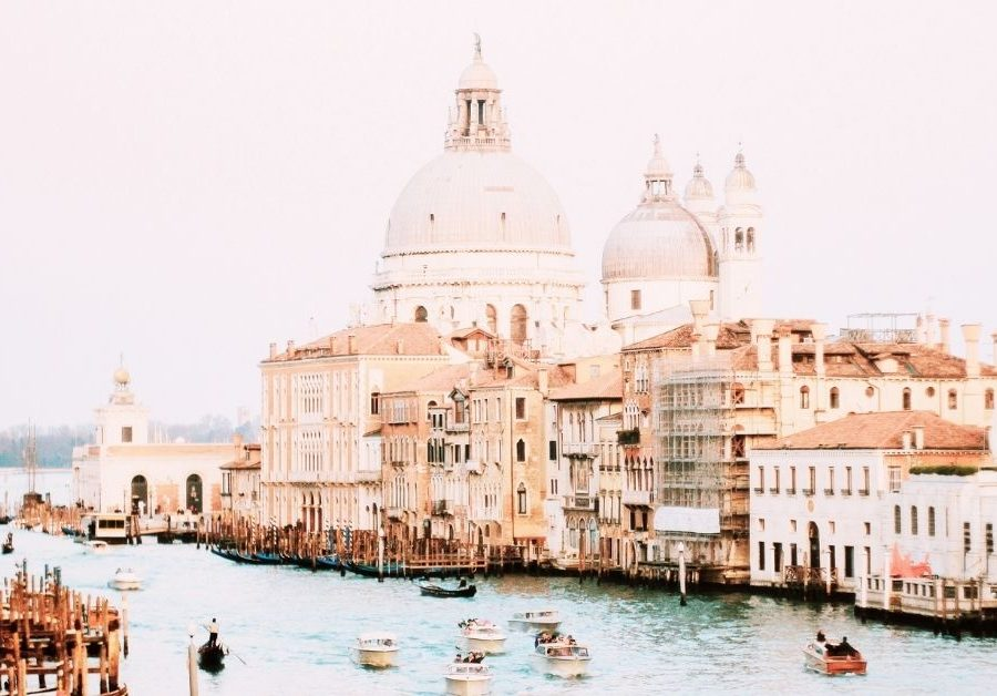 Venice-feature-image-A-day-in-my-life-as-a-student-in-Venice-Italy-mihoki-shares